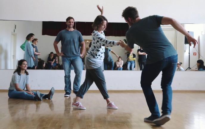 Lindy Hop: Poletni intenzivni začetni tečaj