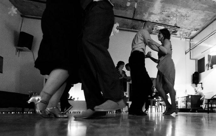 Balboa plesni večer v DramaKavarni