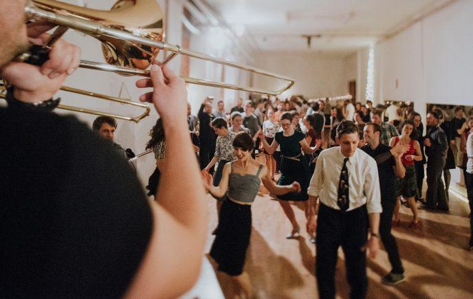 Petkov swing plesni večer + Love Runners